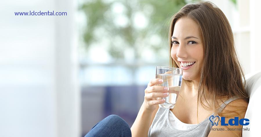 น้ำเปล่า หรือน้ำสมุนไพรไม่ใส่น้ำตาล